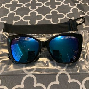 Diff Eyewear Accessories - Diff Eyewear Ruby Black with Blue Polarized Lens